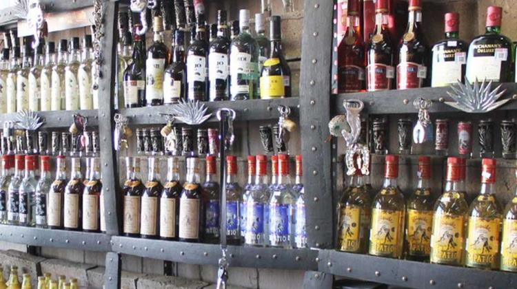 Por vender alcohol a menores multan a tiendas con 276 mp