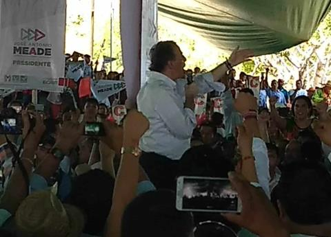 #Video CNTE agrede a simpatizantes de José Antonio Meade