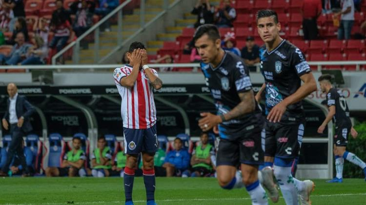 Chivas regresa a las andadas, pierde como local