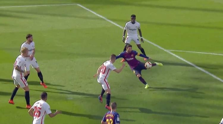 VIDEO: El golazo de volea de Messi ante Sevilla