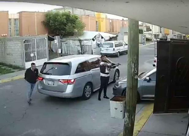 Así es como roban autos en Tecámac (VIDEO)