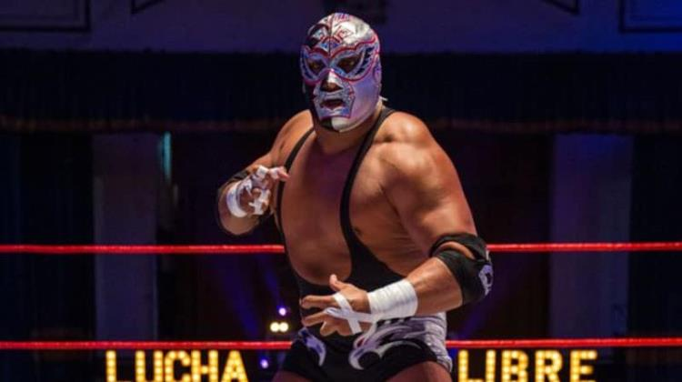 Revelan video que muestra los intentos por reanimar al luchador Silver King en el ring