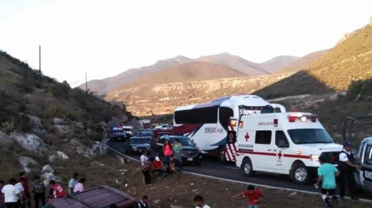 Se registra accidente en la carretera Ixmiquilpan – Actopan; tres heridos